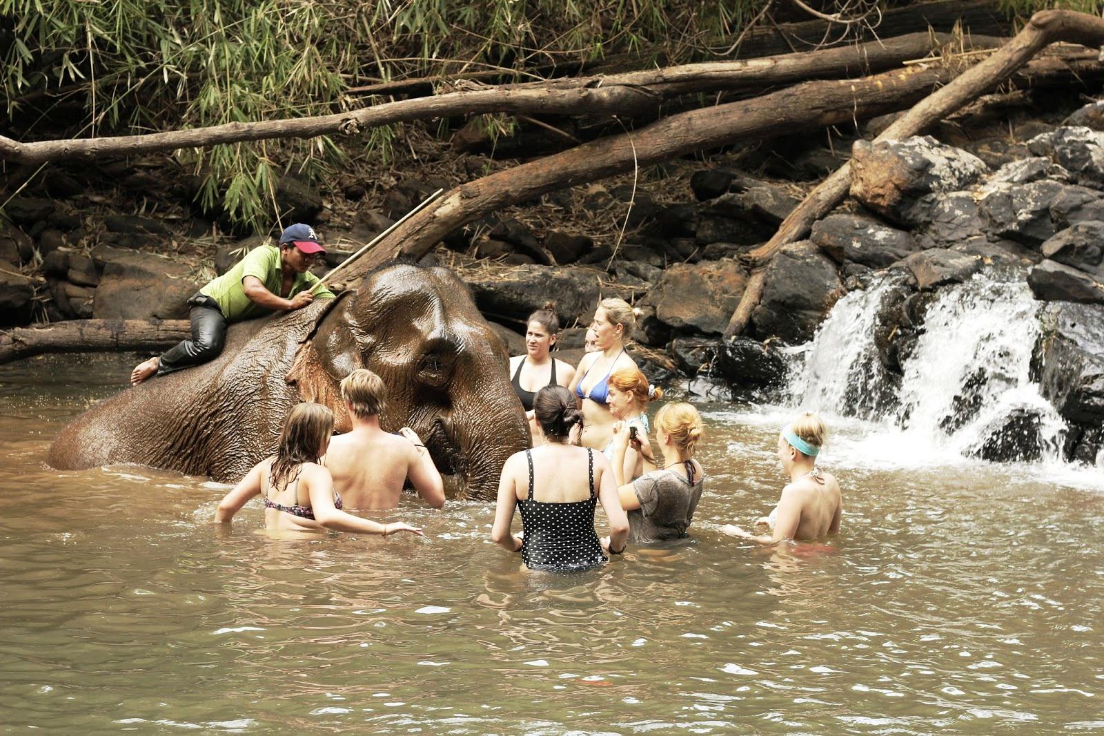 Cambodia & Vietnam: An Epic Sister Trip l Okinawa Hai!