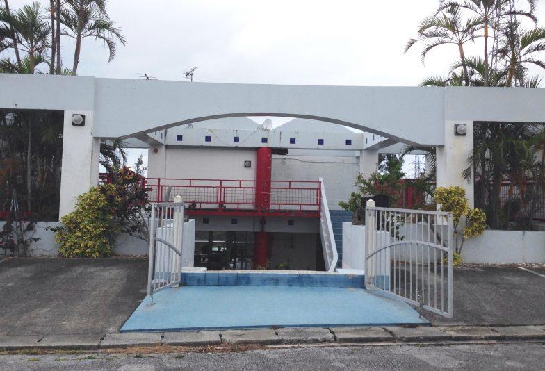 Surf Side Bed & Breakfast l Okinawa Hai!