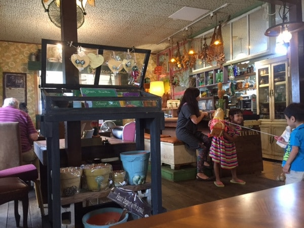 Green Mama Cafe-004