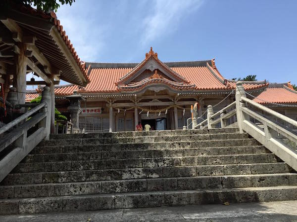 futenma-shrine-caves-002