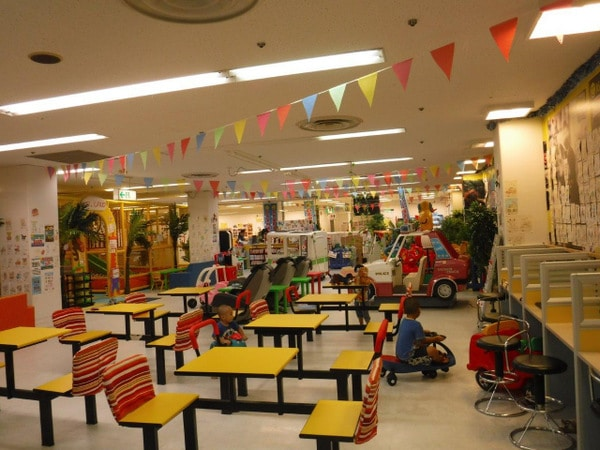 us-land-indoor-play-park-001